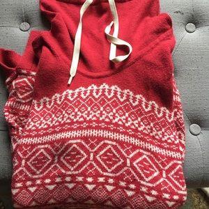 Eddie Bauer pullover sweater